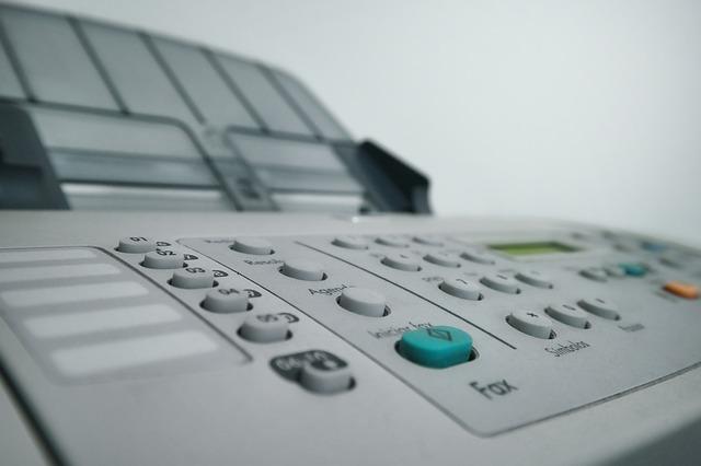fax, kopírka a tiskárna